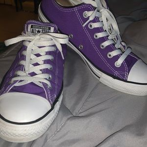 Purple low top converse